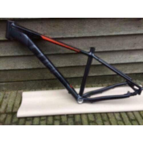 Cube Attention 650B/27,5 Inch ATB Frame, Zwart/Rood, Nieuw
